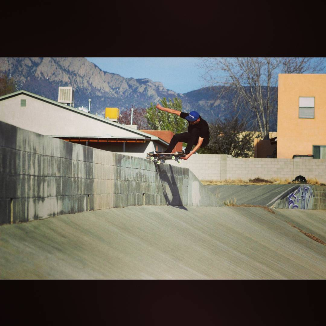 Sean Stratmeyer--@kurkylurk666 boneless 5-0 on the Spunk!