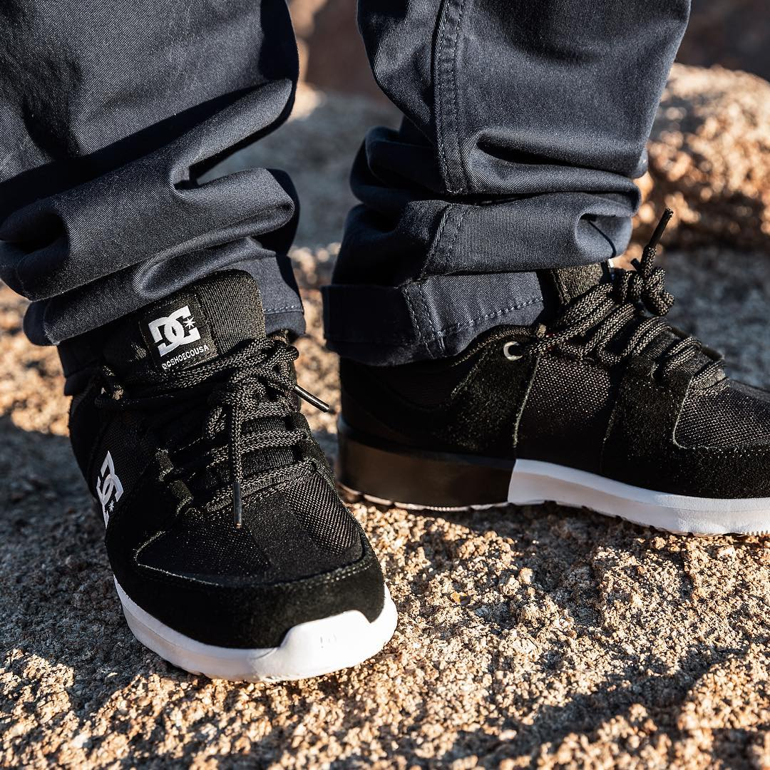 The Lynx Lite in black, clean & classic. Get yours -> dcshoes.com/lynxlite #dcshoes #lynxlite