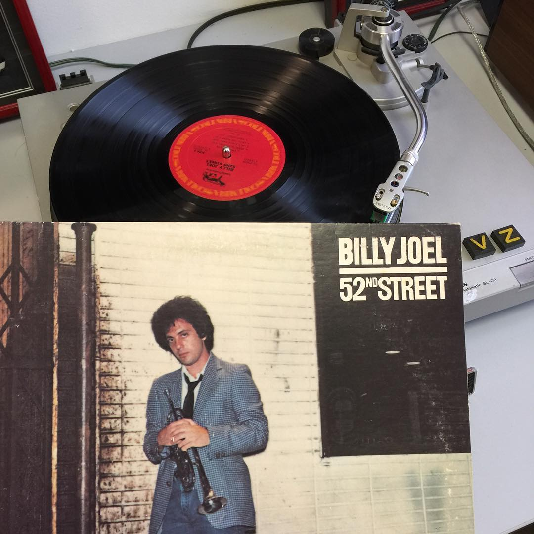 Closing out this #TurntableTuesday with an uptown jam #BillyJoel #VonZipper #SupportWildLife