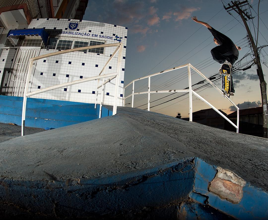 @tiagolemoskt, gap to front crook in Brazil from our #DeLaCalleDaRua video. Photo: @blabacphoto #TiagoLemos #DCShoes