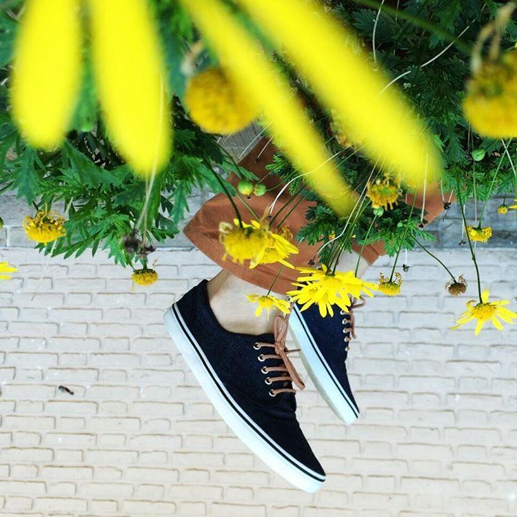 Si miras esta foto al revés podrás ver cómo una planta florece en forma de Tabas. ✋ Ah si y mañana hacemos Showroom de 17 a 20hs en Arévalo 1479, timbre 1, Palermo. #igersbsas #vscocam #vscoargentina #instamood #showroom #igers