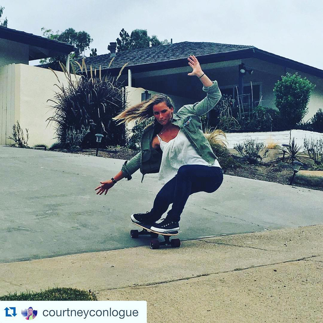 #Repost @courtneyconlogue with @repostapp. ・・・ Cruising through this Wednesday on my new @carverskate