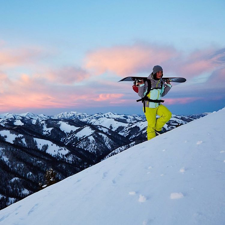 From dawn to dusk #ROXYsnow