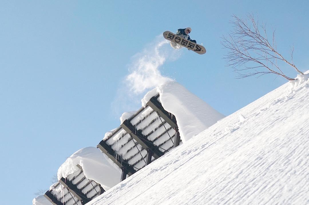 Flux supported rider, Sam Blazejewski @samhasalifenow a front 3 from Hokkaido Japan. #fluxbindings #snowboard #snowboarding ❄️