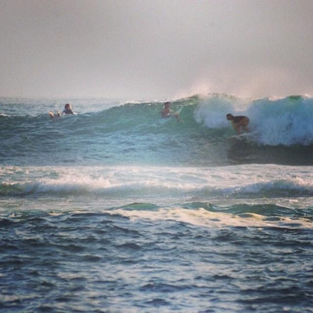 @agustinacerruti de viaje por las olas de Galápos. #soul #surfing #sunset #reefargentina