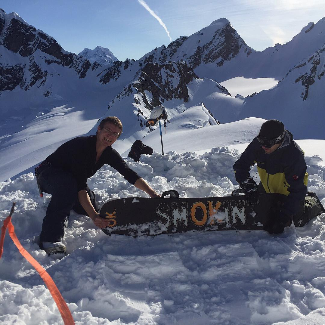 Smokin #family @jefflamborn packing down another landing zone with his #futurefreeride #KT22 , this spring is on in AK . We hope everyone up there has the time of their lives. #weareOK | #handmadeUSA | #ForRidersByRiders | #3yearwarranty |...