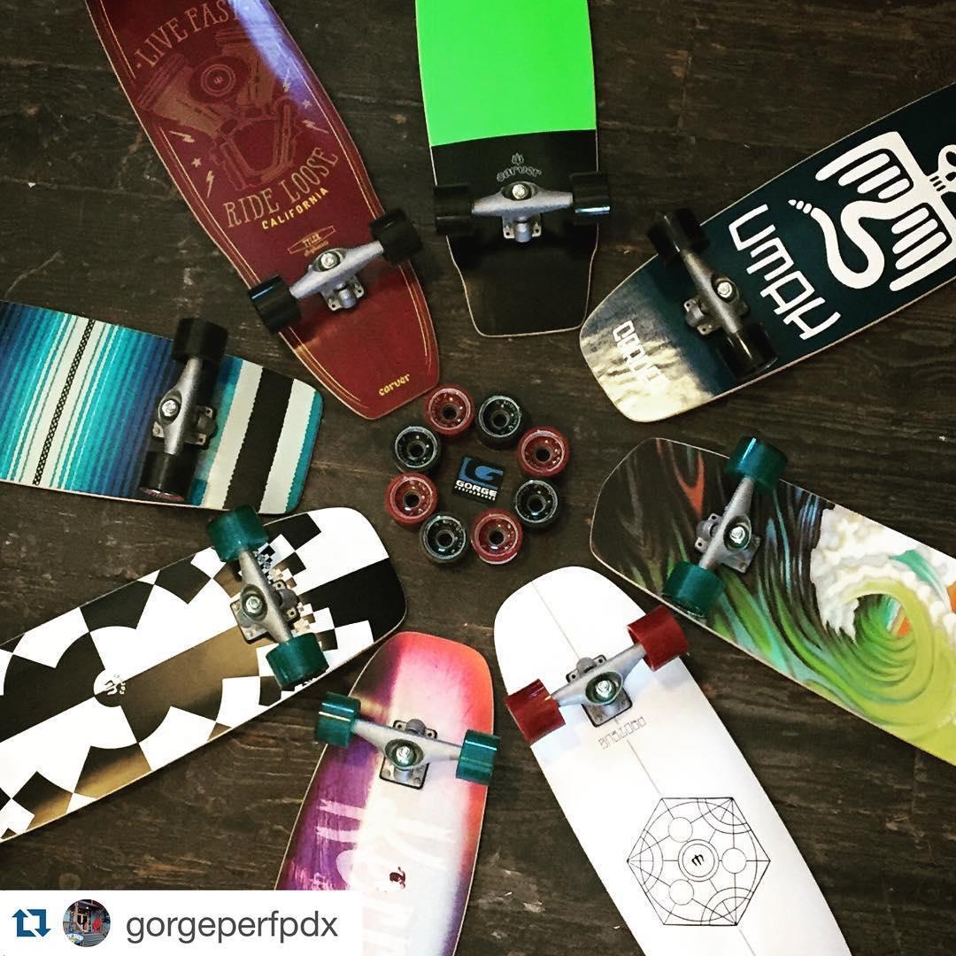 #Repost @gorgeperfpdx with @repostapp. ・・・ Surf your skate @carver_skateboards #concavewheels #skatepdx #skate #johnnyutah #pointbreak #skateordie #livefastdieloose