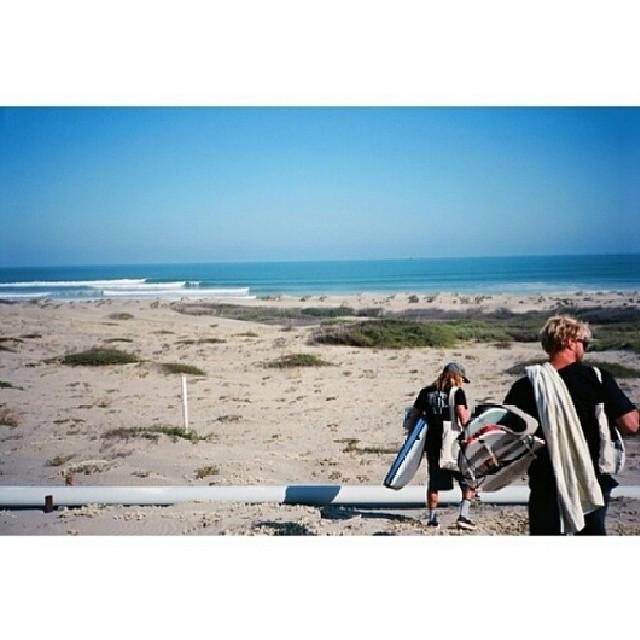 Quedan 30 min. Para participar del concurso #LIVINGOFFTHEWALL  tema #SURF  FOTO: @dylangraves @tunnergud