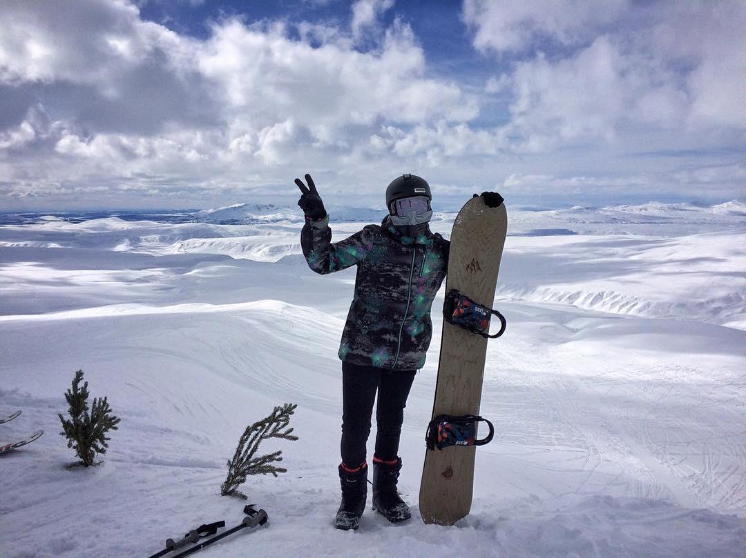 #Repost @gnar__marr ・・・ One week until I head back to Alaska for Arctic Man! #gofasttakechances #arcticman @jonessnowboards @fluxbindings @smithoptics @outdoortech @thirtytwo