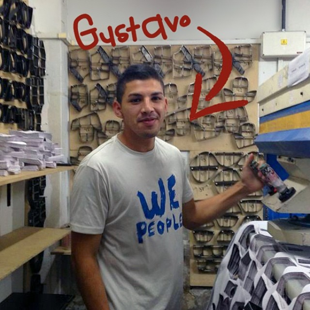 Meet Gustavo, a big Boca Jrs fan. He's our fabric cutter, one of the key players in the Paez Team. #PaezTeam #PaezFactory #MaquinariaPaez #Fashion #Industry #FabricCutter #Paezshoes #Paez