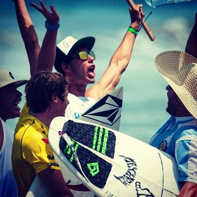 Feli Suárez @felisuarez1 en carrera ! ISA Word Championship Ecuador. #GoFeli #Surf #Volcomfamily #VolcomArgentina