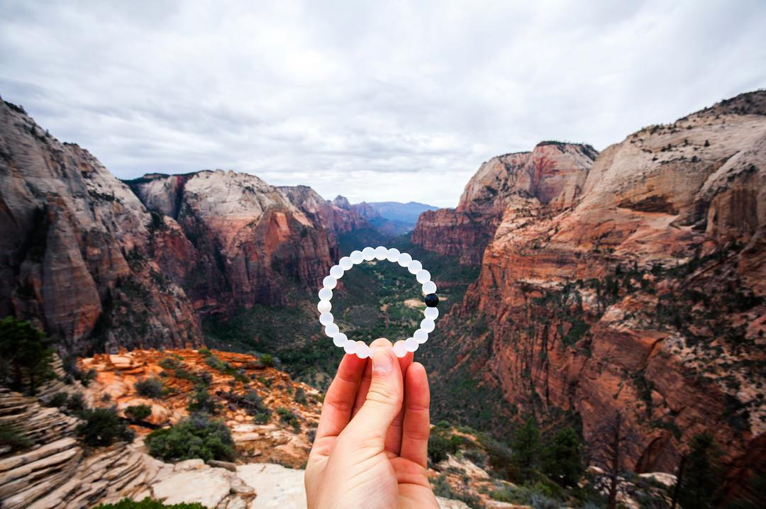 Gorge-ous views to cure the blues #livelokai Thanks @michaelmatti