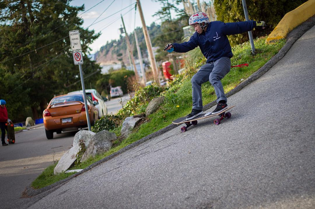 Dropping through a steep righty, @anuhlkingkong let's it slide. Shot from an article on @thrillstream.ca. Check it out.  #paristrucks #paristruckco