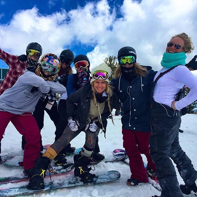 Team B4BC's @JamieAnderson brought her whole #squad out to @sierra_at_tahoe for the B4BC Snowboard + Music Festival Big Air Expression Session today! Come swing by for live music all afternoon. - #snowboardmusicfestival #b4bc20