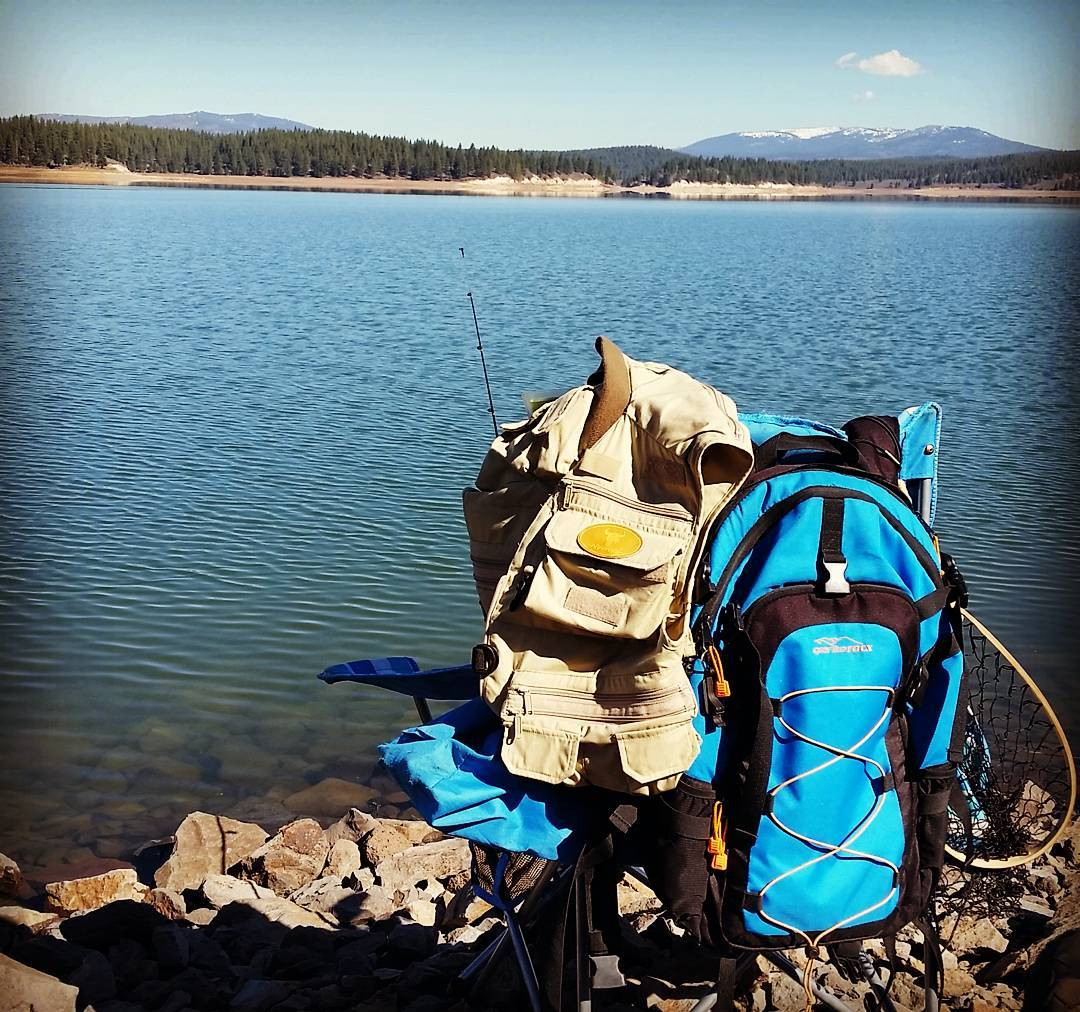 Perfect day to be by the water! #whatsyour20 #tahoenorth #backpacks #fishing #getoutside #renotahoe #adventure #graniterocx #outdoorsrocx