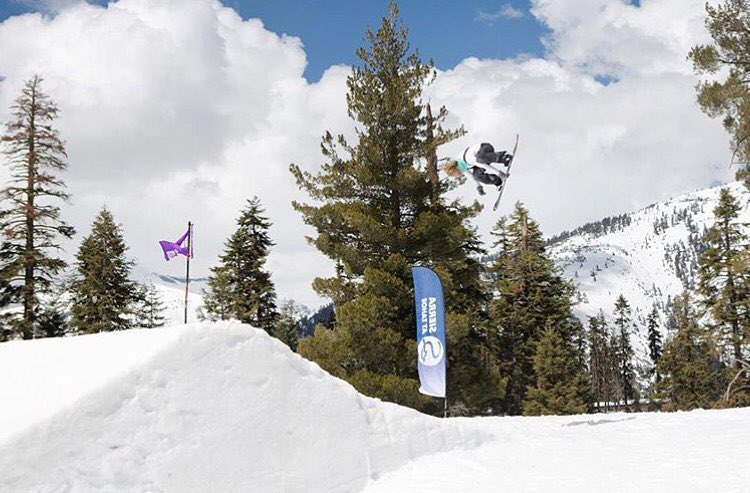 Expression session with @jamieanderson + crew today at the B4BC Snowboard + Music Festival at @sierra_at_tahoe! #behealthygetactive - #snowboardmusicfestival #b4bc20