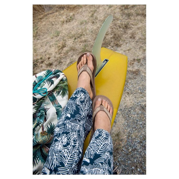 Sun on our skin, can't wait to thaw ☀️ Our spring sale ends this Sunday 4/3 at midnight PST. Stock up on warm weather styles like the #TanBurlapSandal & get 15% off! ✌