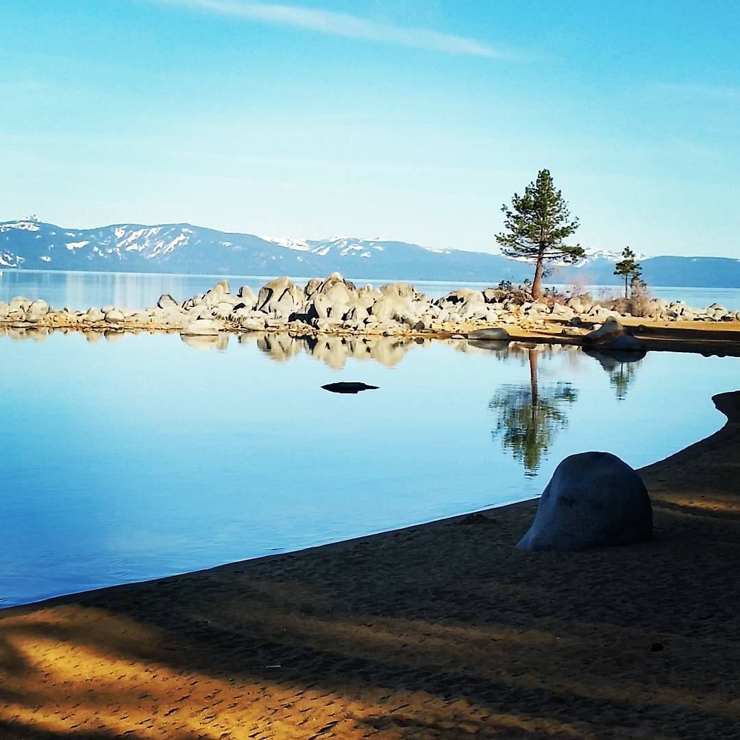 Sunday morning reflections.  Have an awesome day! #getoutside #laketahoe #tahoesouth #tahoesnaps #renotahoe #reflections #graniterocx #outdoorsrocx