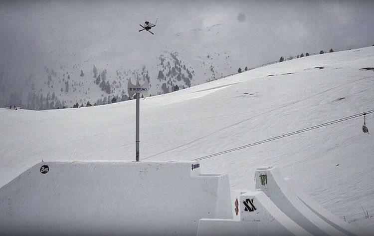 @mrdavidwise is a complete savage. Scope the video by @the_distillery from @nineknights of this insane 47 foot #worldrecord launch & stomp. Link in profile. #shapingskiing