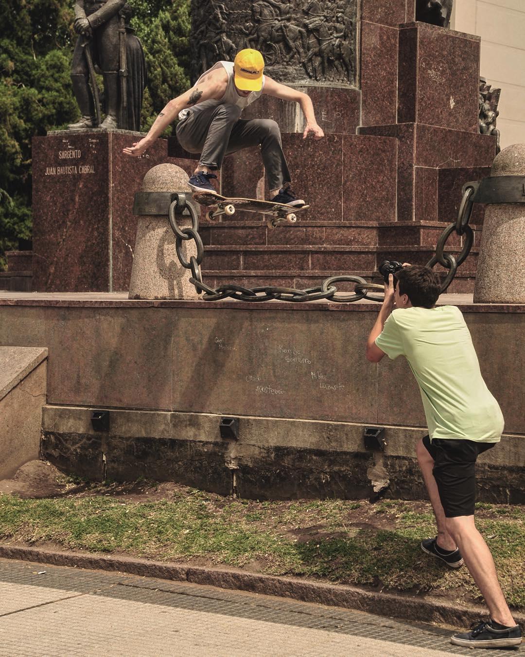 Evadiendo cadenas.  @tucadepucho de fakie
