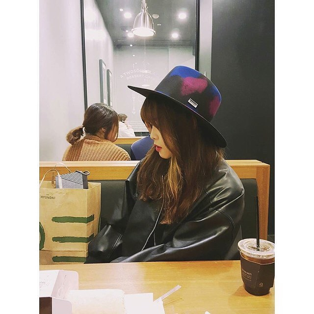 Morning coffee with our Crayon Tribly #kangol via @jjjjjjjjjj_a