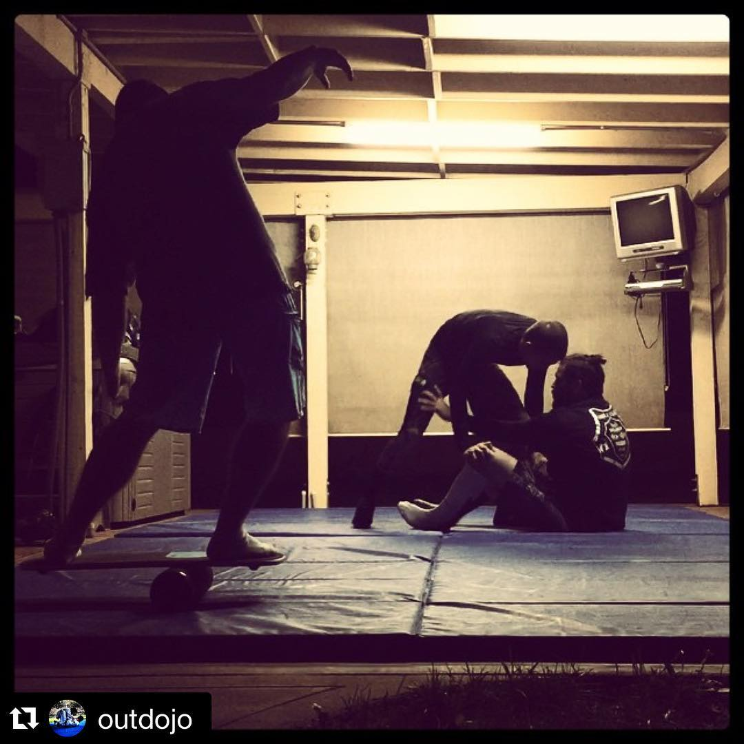 @outdojo balance training in between #jiujitsu rounds