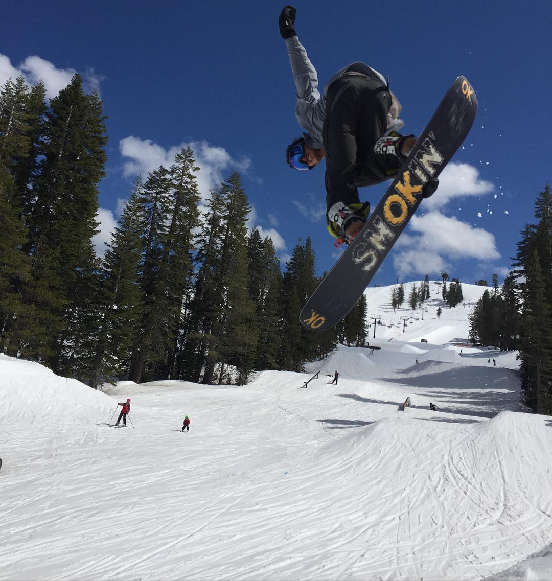 @space_rok this weekend @borealmtn , spring this year in #Tahoe has been so much better than he last few years. Bryce lapping after the #SidehitSocial event. #weareOK | #handmadeUSA | #futurefreeride | #KT22 | #ForRidersByRiders | #smokinsnowboards