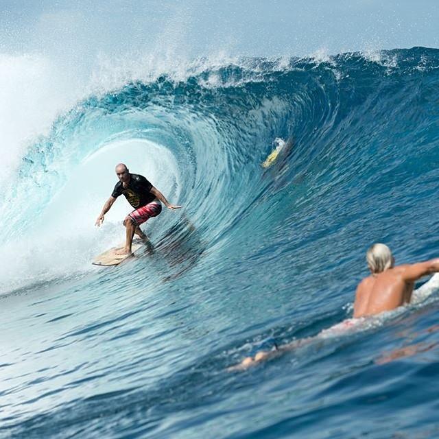 """""""Soy mejor padre cuando surfeo y soy mejor surfer por haber encontrado esa estabilidad"""". @shanedorian #soul #surfing #waves #reefargentina"""