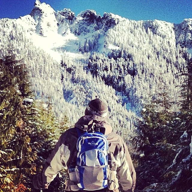 It's #TravelTuesday where we feature our #mountainlifers on their #adventures in the #Tourede #MountainRanges this one is of @priestoso hiking the North Cascade #Range what a #beaut What's Your #MountainLife? Show us #climbing #hiking #skiing...