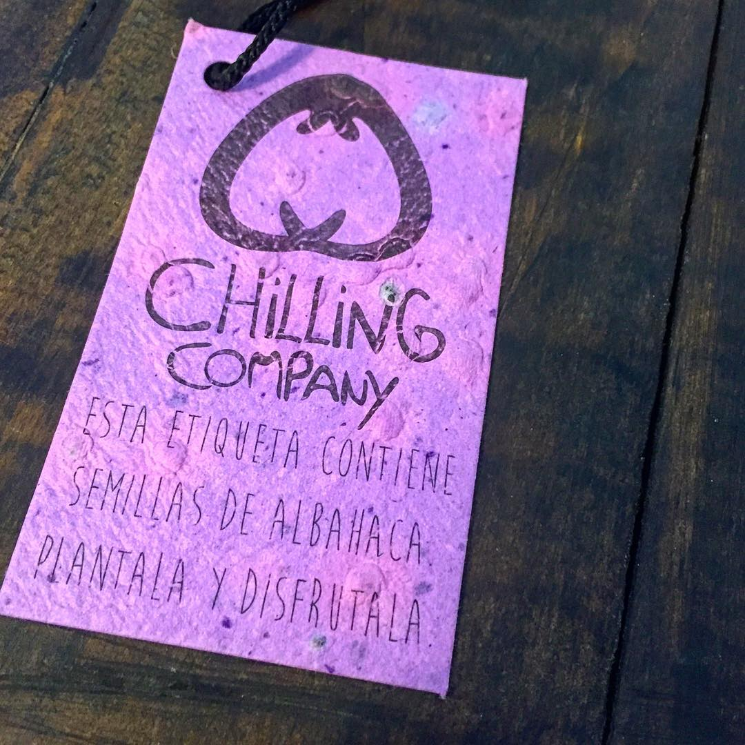 Ya plantaste nuestra etiqueta?? Vienen con semillas incorporadas al papel, listas para que cultives albahaca. Solo necesitas mojarla, una maceta y tierra.  #Chilling #ChillingCompany