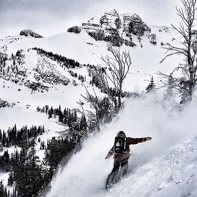 Dreams of freedom. Rider @francosnowshapes @jacksonhole  #avalon7  #followthestoke #snowboarding  www.followthestoke.com