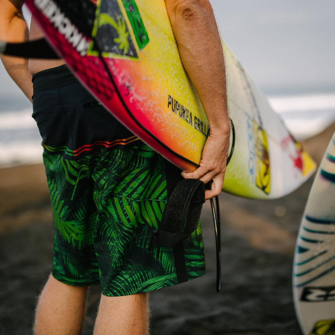 @whoisjob hanging south of the border in his new signature boardshorts  Available now in stores and on www.bodyglove.com/boardshorts  #designedtostayon #bodyglove
