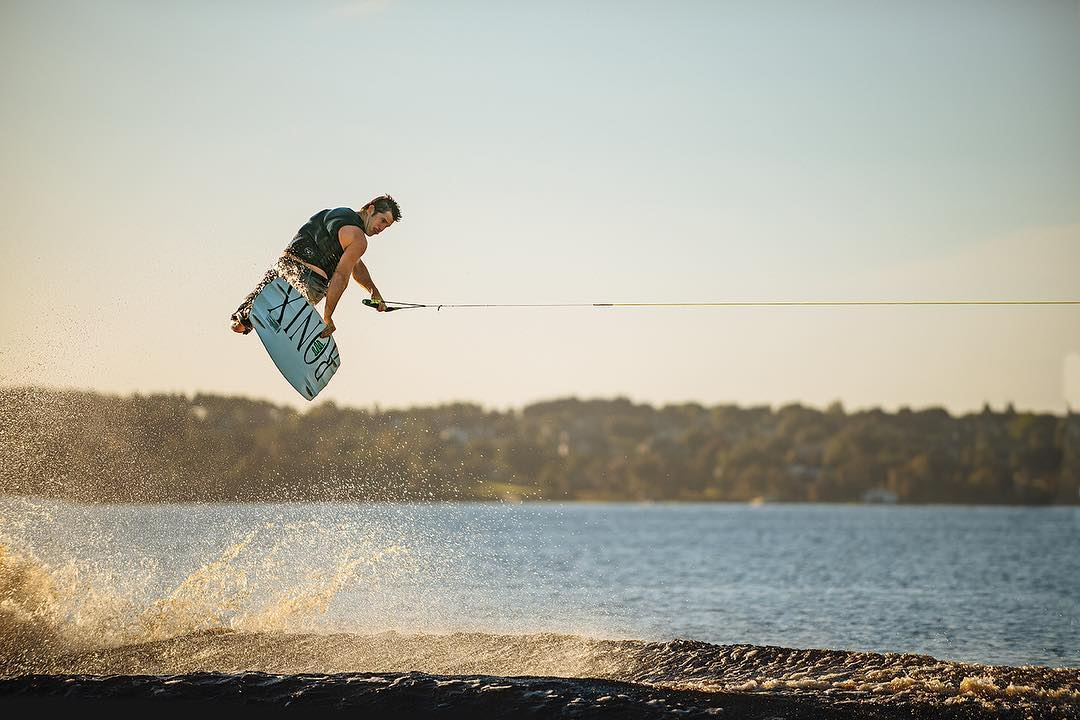 A classic trick from a classic rider! @dannyharf #ronix2016 #oneloveinwake #takeflight #fortifiedwithlakevibes #theonecollection