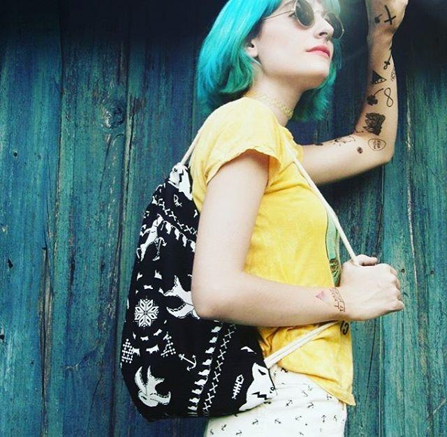UR GIRL #fashion #design #moda #photolook #fashion #stylegirl #style #pixel #pixelart #mochila #backpack #moda