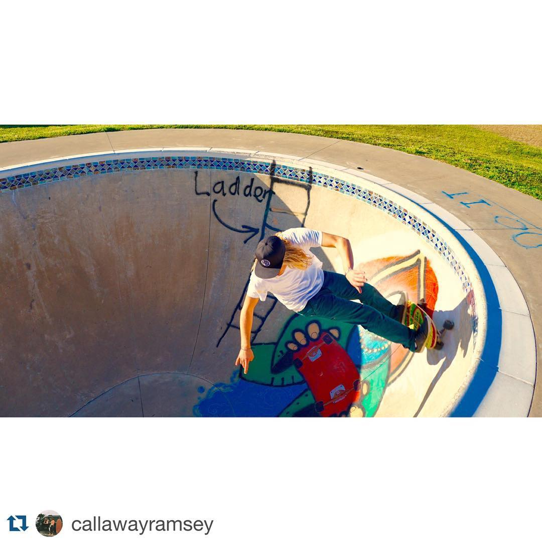 #Repost @callawayramsey with @repostapp. ・・・ waves have been flat so we've been in the pool