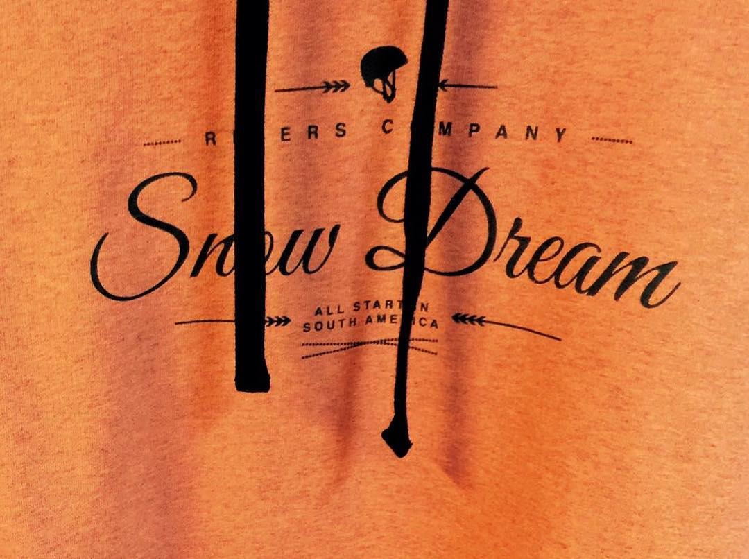 De lo que se viene... #buzos • snow dream ☃❄️ by a rider's company •