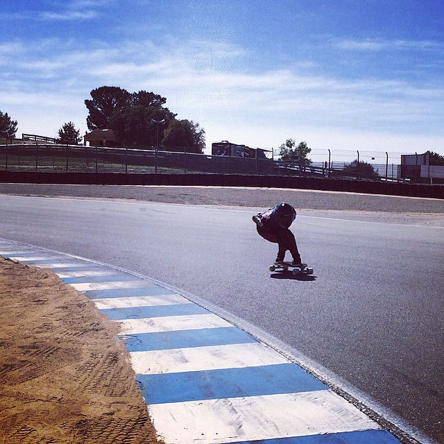 Big congratulations to Nor Cal ripper @byronessert for winning the Laguna Seca Old School race!  #NorCal #sunsetsliders