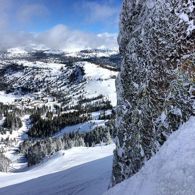 The valley below! @kirkwoodmtn ceases to amaze me with its beauty from the vast valley to the volcanic rock filled with neon green liken. I can't believe winter is almost over. Hoping to cruise a few more epic missions before it's gone....