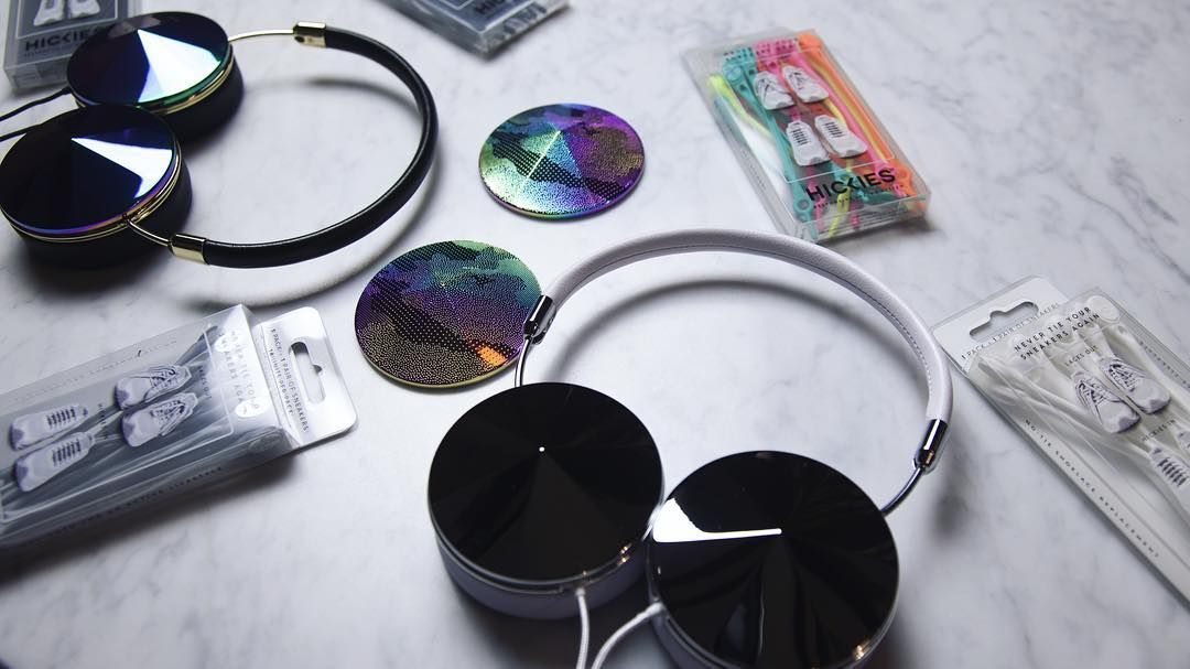 Just one day left until our @FRENDS festival favorites giveaway ends! Find out what you and a friend could win below!  2 sets of each item will be included:  @frends Taylor Silver/White headphones with Etched Oil Slick interchangeable caps...