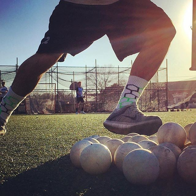 The only way to stand out on the field is in a pair of Neon Bandits @oneon1lax #lax #newyork #laxlife #training #practice #activewear #team