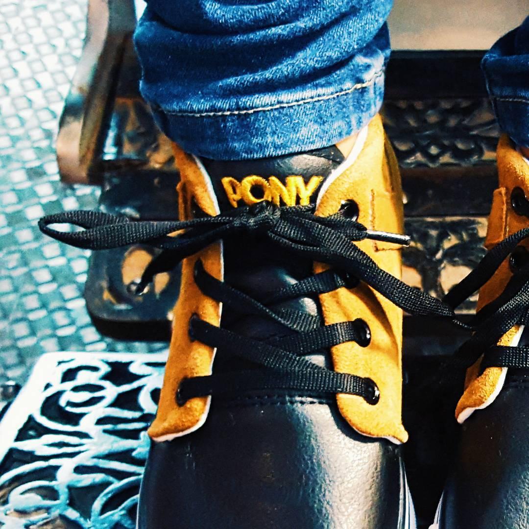 •Potas•  #sneakerfreaker #vscocam #ponyinternational