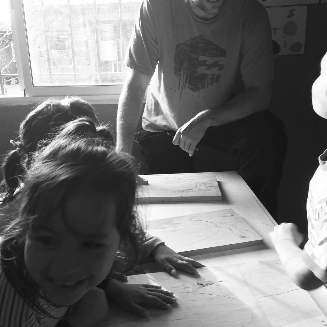 Sonrisas de arranque! Nuevo taller #deslizate en La Cava #skate