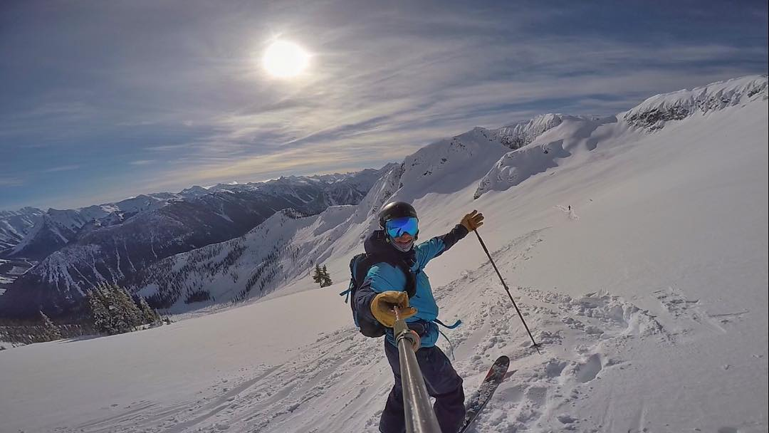 What an amazing sensation standing atop of the Selkirk range @cmhk2 in British Columbia.  Throwback to one hell of a bluebird day skiing the alpine! #explorebc #neverstopexploring #10thadventures #gopro #oakleyprizm #skiing
