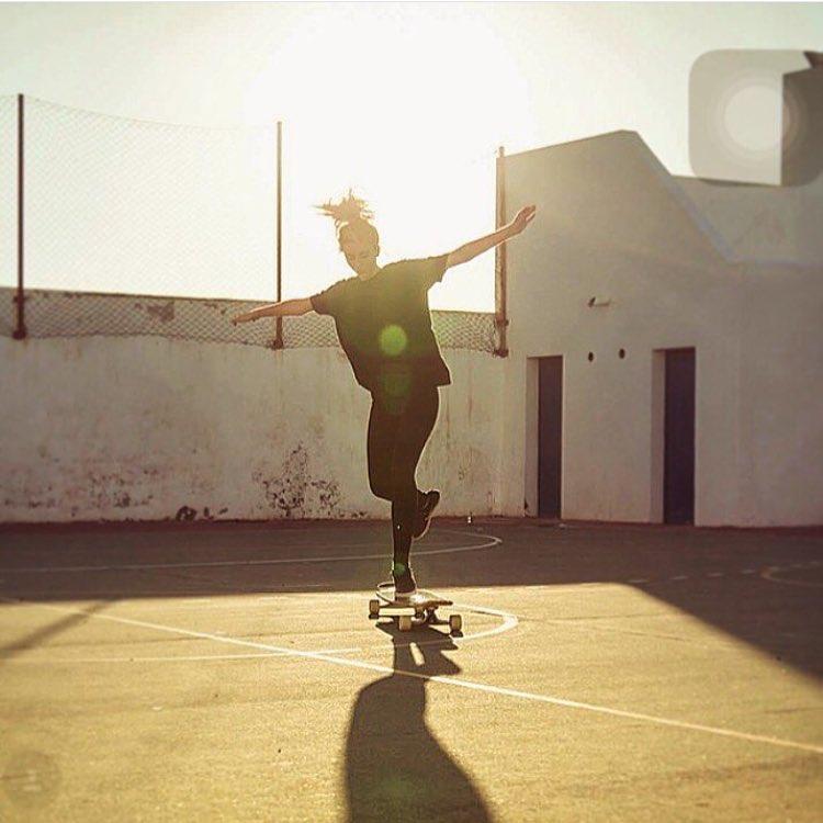 Morning world! Spanish rider @jadieemily stylin some in Canary Islands shot by @girlsinlongboarding.  #longboardgirlscrew #womensupportingwomen #skatelikeagirl #flow #girlsinlongboarding