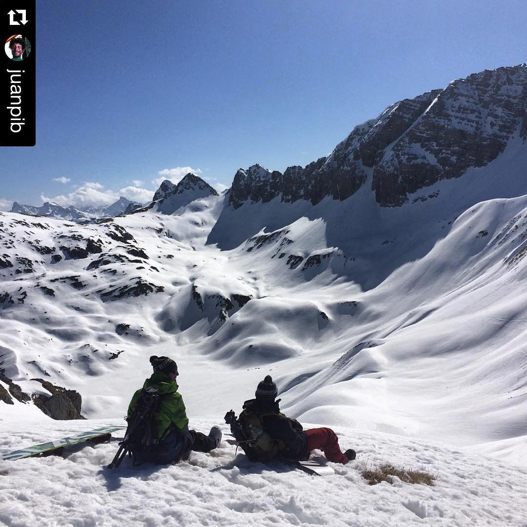 #Repost @juanpib #scoutinglines  #thrivesnowboards #snowboarding @andinosummercamps