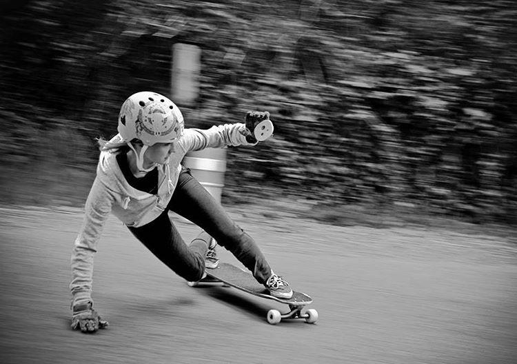 Polish & French rider @alex_kubiak_ho_chi shot by Yannick Clin. Enjoy the Sunday everyone!  #longboardgirlscrew #womensupportingwomen #skatelikeagirl #lgcfrance #alexkubiakhochi