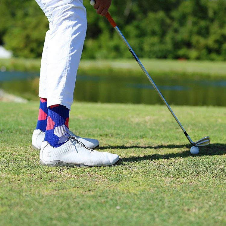 You don't need to yell #fore on the #golf #course when you wear a pair of #NeonBandits, people can see you coming @thedapperdrive #themasters #augusta #georgia #activewear #athleisure #greenjacket #footjoy