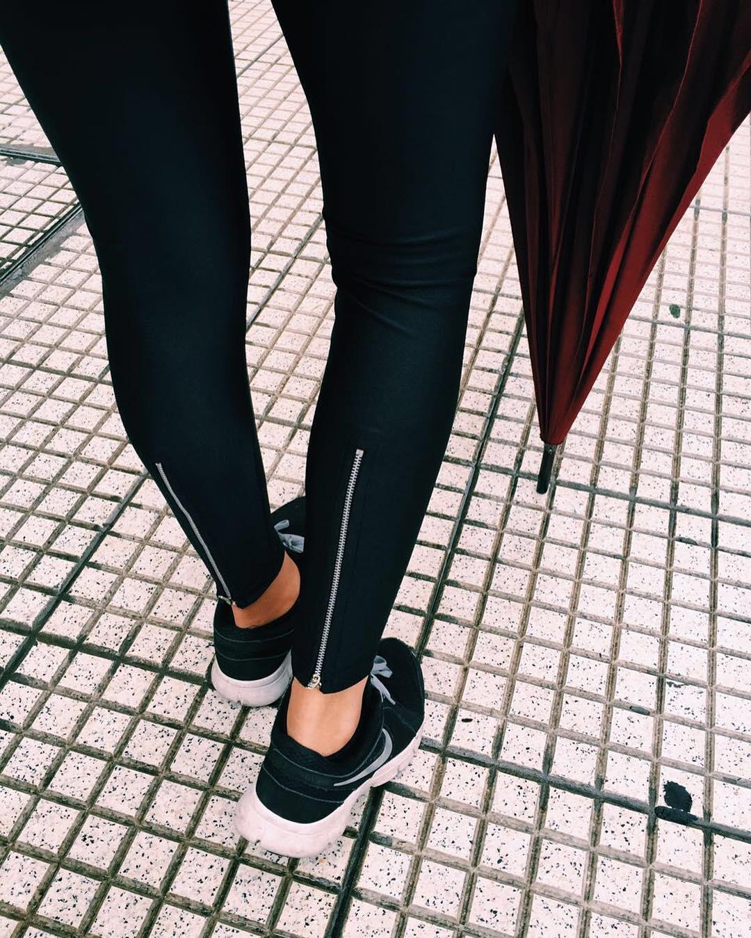 Basics ☂ Zip Legging Black (con cierre atrás) Link en la bio