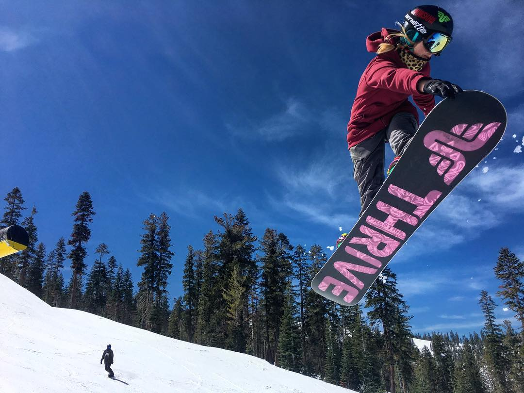 @ppppnut #snowboarding #cannonrail @northstarparks #crailgrab #girlsrock @shredbetties #sherides