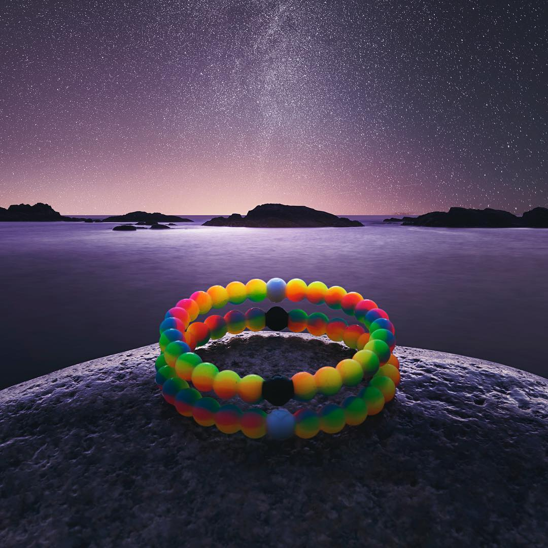A sky full of wishes #neonwish #livelokai Thanks @bejamin